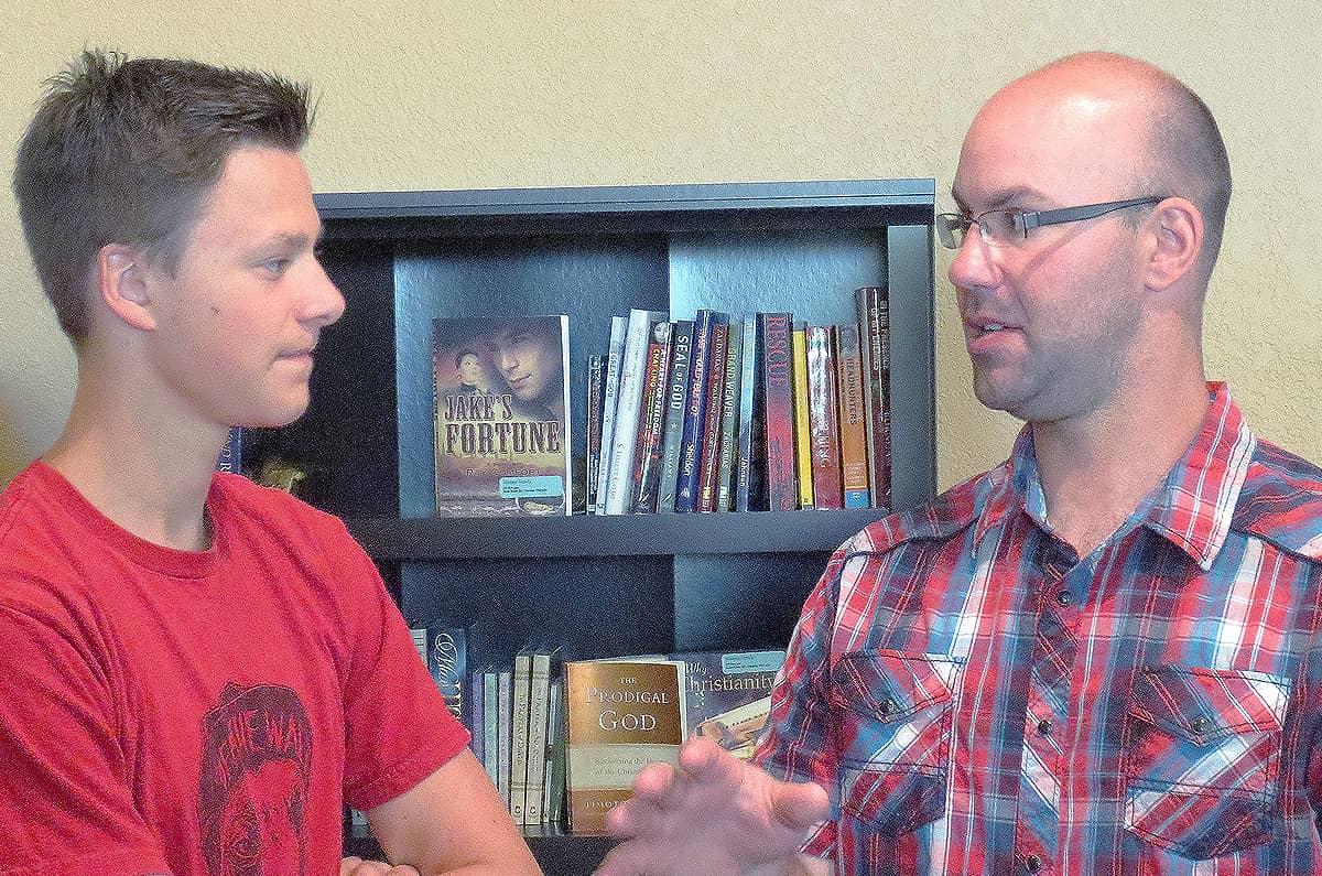 rural-pastor-in-conversation